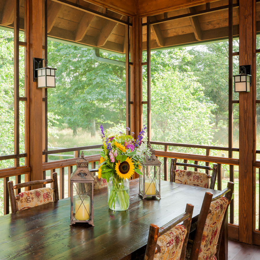 Screened porch eating area the porch companythe porch for Large screens for porches