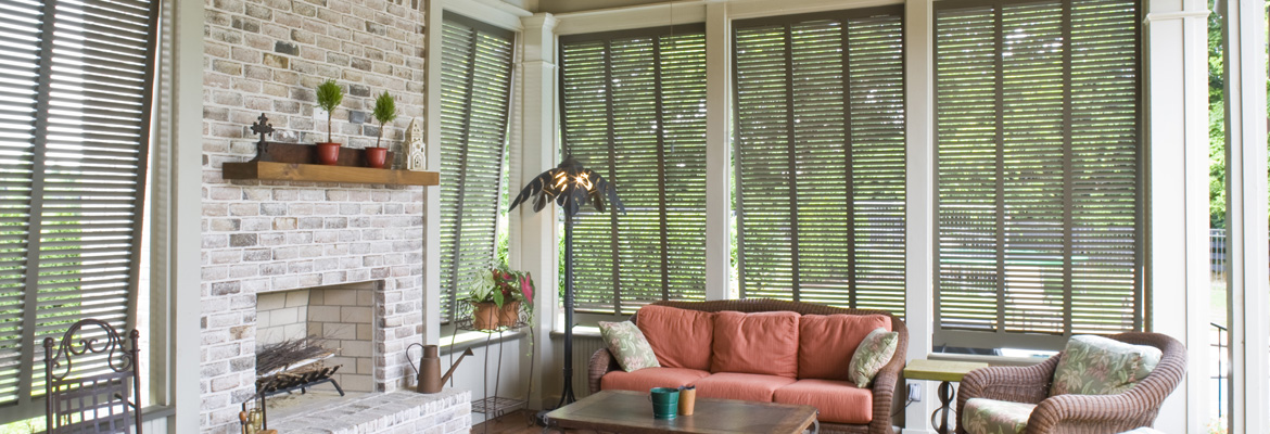 porch-shutters-fireplace-lil01-slider