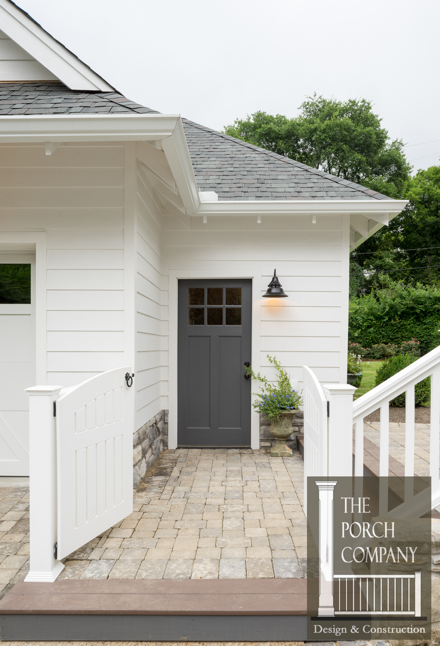 Screened Porch And Garage Oasis