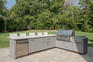 patio-outdoor-kitchen-dining-750