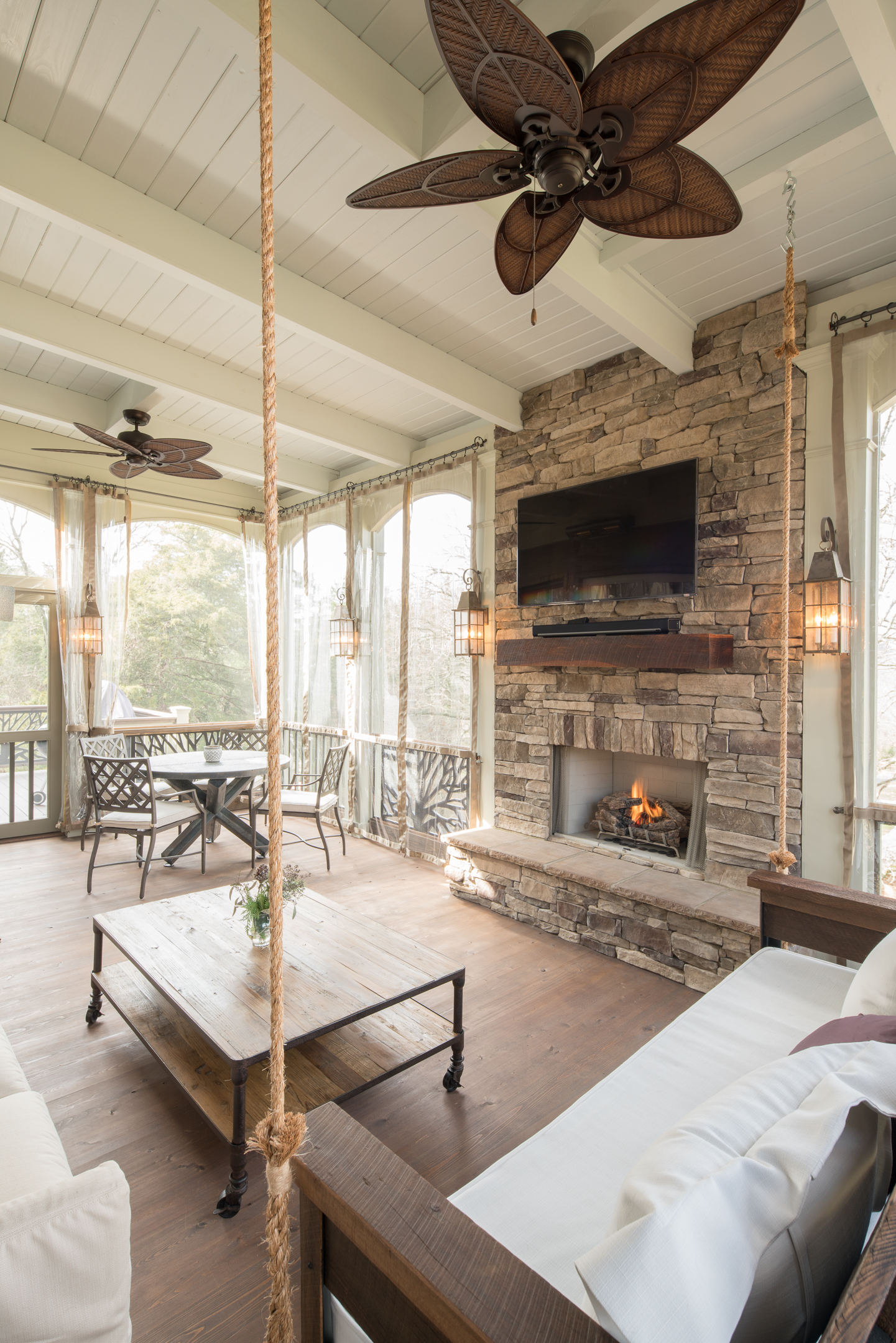 5 Great Ways To Enjoy Fall On Your Screened Porch