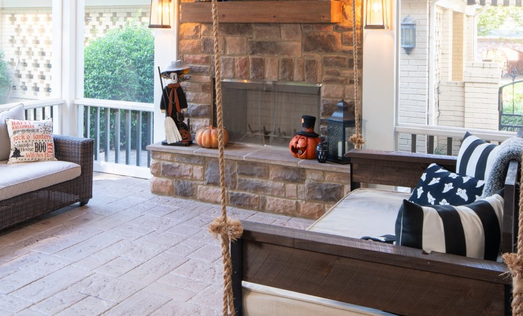 porch-screened-interior-fireplace