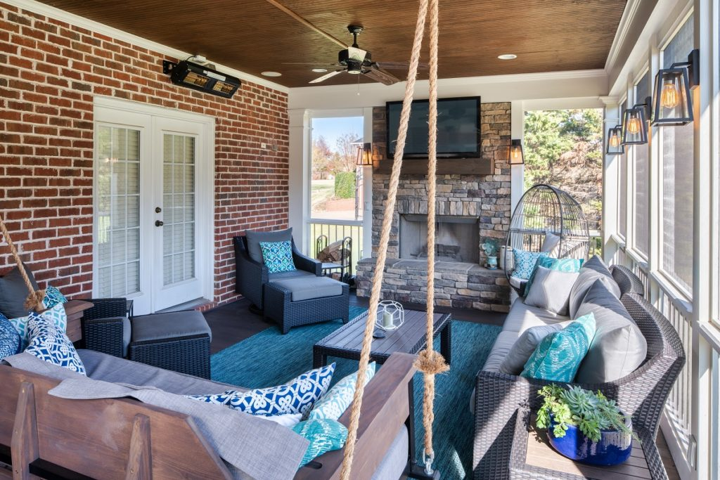 porch-screened-interior-brentwood