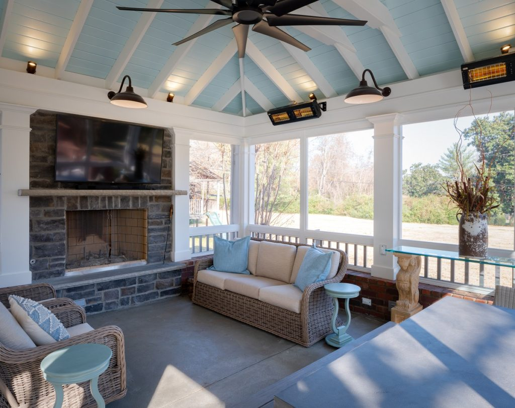 tranquil screened porch in bellemeade TN