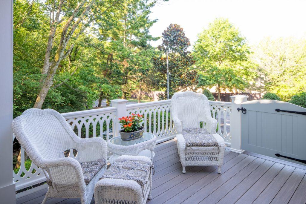 Green Hills TN AZEK deck